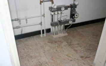 keramische tegels - Vloerverwarming, Vloerverwarming na oplevering